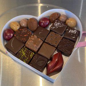 Boite coeur 12/13 chocolats